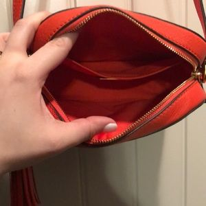 Tory Burch Bags - Tory Burch McGraw Camera Crossbody Handbag